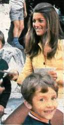 Septembre 1971 : Le petit ensemble jaune. Paris.