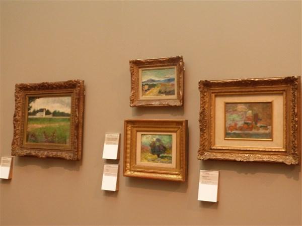 Groupe de 4 tableaux dont à droite Pierre Auguste RENOIR