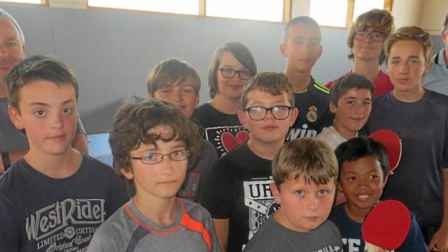 Le tennis de table séduit nombre de jeunes.