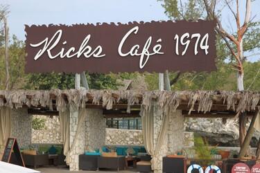 NÉGRIL ... RICKS CAFÉ et ...