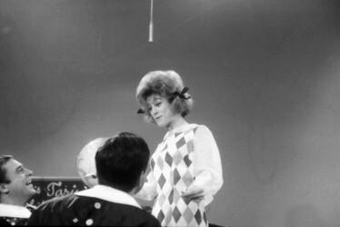 Décembre 1963 : la robe Arlequin