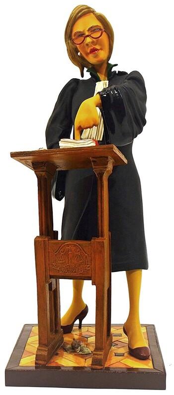 L'avocate. Figurine en résine de Guillermo Forchino.
