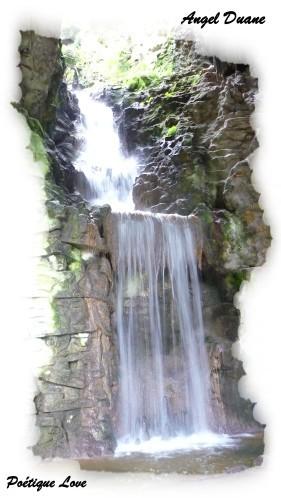 Cascade-2-parc-Buttes-Chaumon.JPG