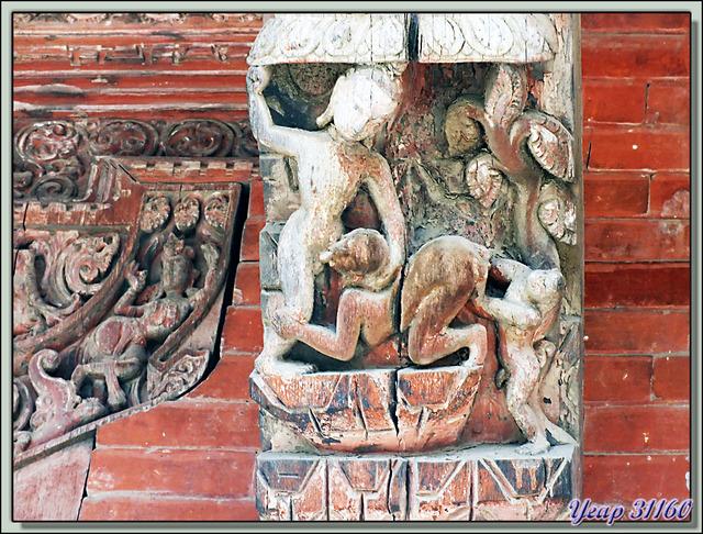 Blog de images-du-pays-des-ours : Images du Pays des Ours (et d'ailleurs ...), De l'art et du cochon... Durbar Square - Patan - Vallée de Katmandou - Népal