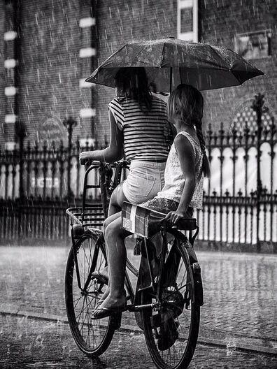 11 - Encore des parapluies!