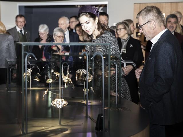 L'exposition « Coffret à bijoux »