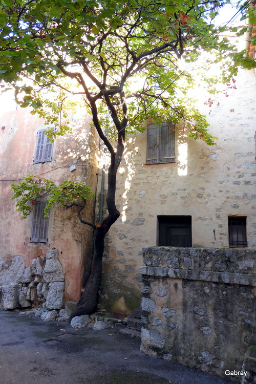 Gourdon : le village ...