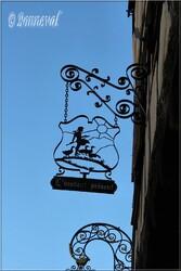 Enseigne à Riquewihr Haut-Rhin Alsace