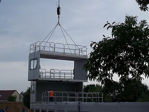 L'installation des bâtiments modulaires au 9/08/2013