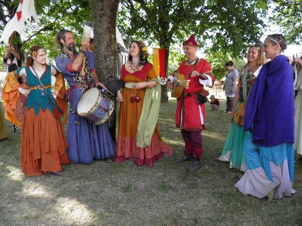 Blog de sylviebernard-art-bouteville : sylviebernard-art-bouteville, Fête Médiévale de Châteaubernard 1 juillet 2012