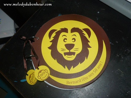 Livre d'or rond thème lion/savane
