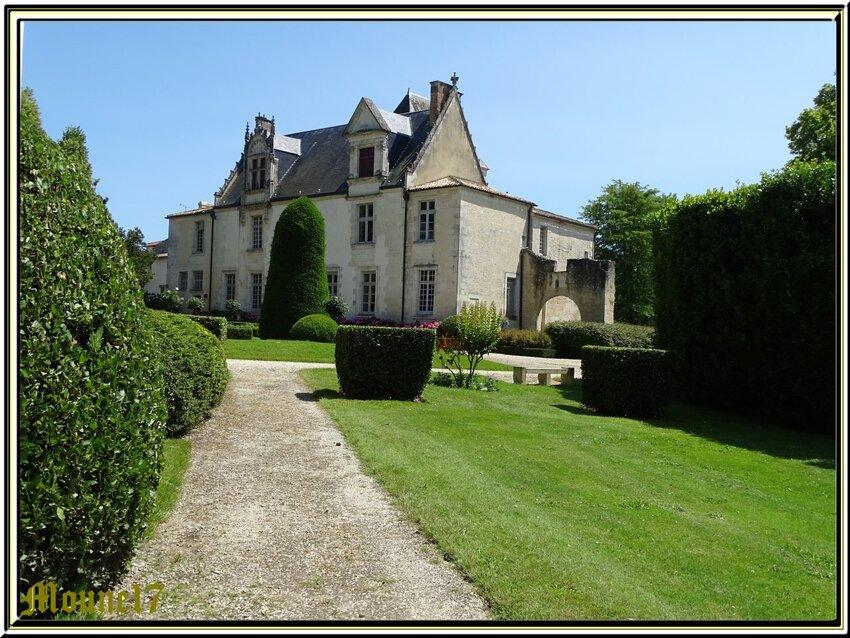 Le Château d Beaulon à St Dizan du Gua  1/3