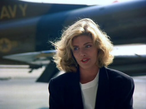 KELLY McGILLIS - TOP GUN