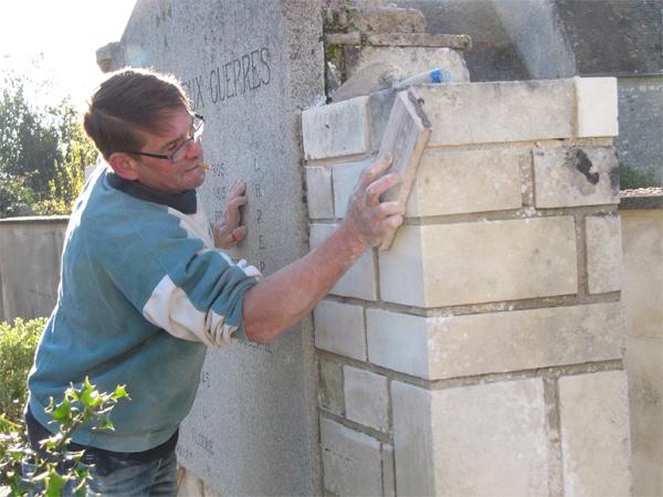 Rénovation du monument aux morts, et cérémonie du 8 mai