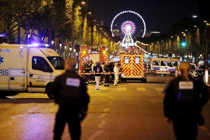 Attentat aux Champs-Élysées