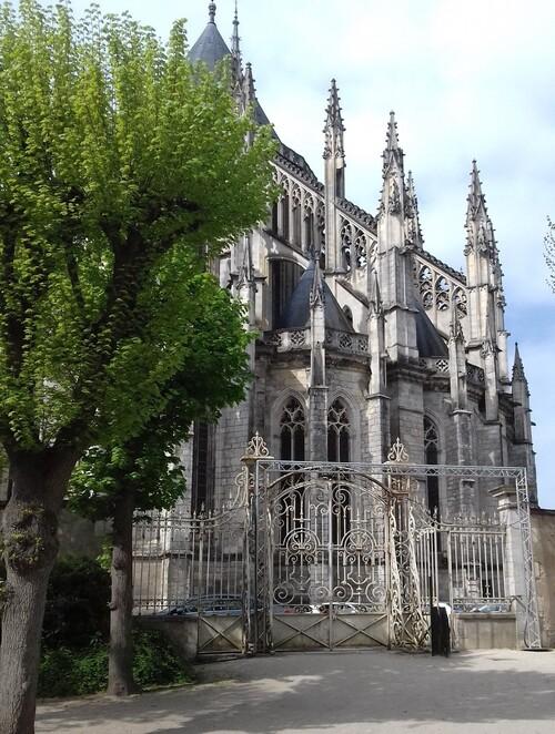 ORLEANS - Cathédrale Ste-Croix