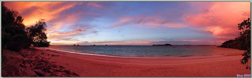 26/03/2018 : panorama du superbe coucher de soleil sur la plage nord de Nosy Tsarabanjina - Archipel des Mitsio - Madagascar