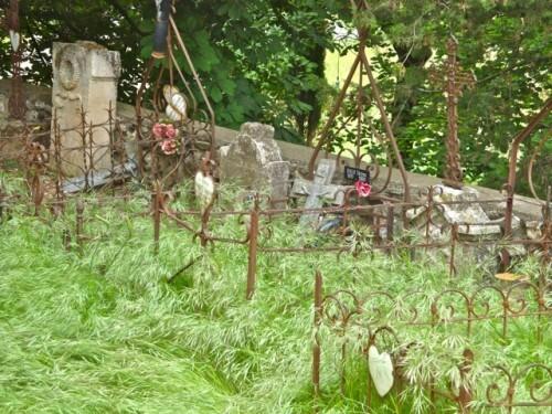 vieux cimetière abandonné 8576