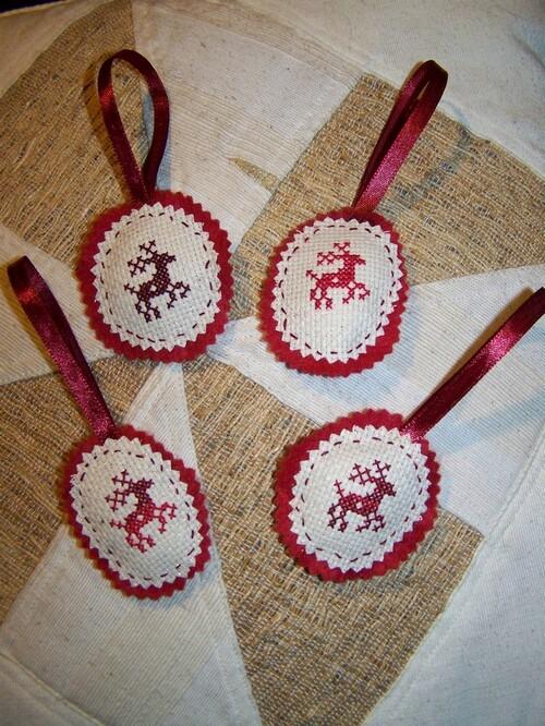 Rennes rouges de Noël