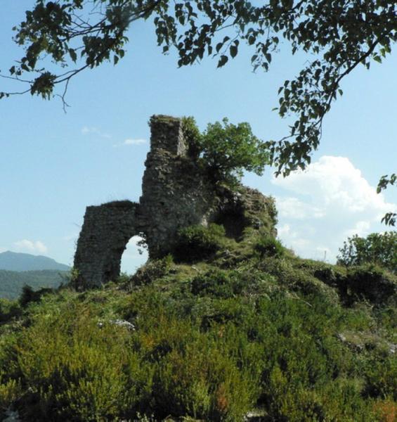 Les ruines du château d'Izaut. /Photo DDM J-P.C.