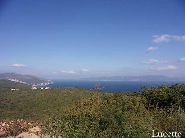 Promenade autour de la presqu'île à côté de Labin