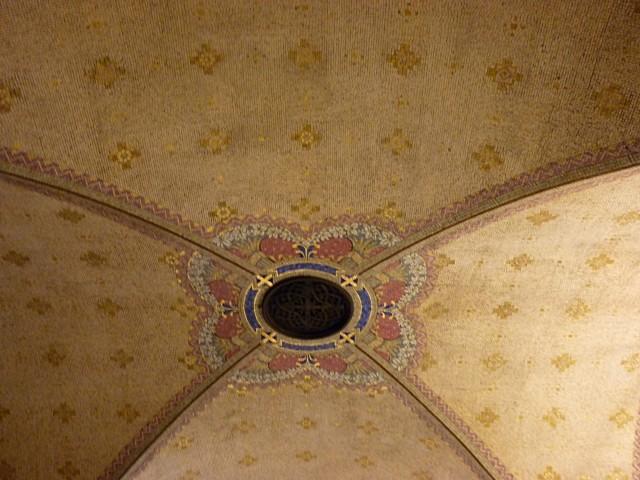 Crypte de la basilique de Lysieux 18 mp1357 2010
