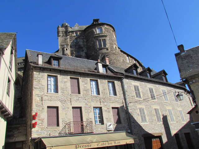 LE VILLAGE D'ESTAING EN AVEYRON . (12)