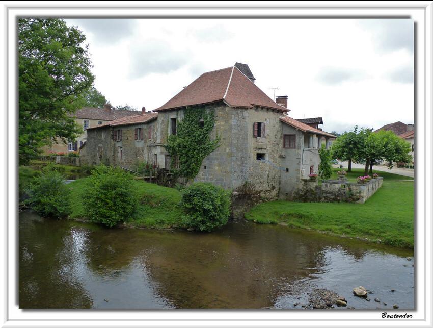 Saint-Jean-De-Côle serie 1