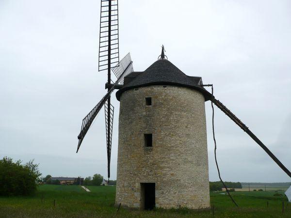 Randonnee-Alavi-moulin.jpg