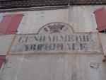 L'ancienne gendarmerie - l'inscription gendarmerie impériale apparaît sous gendarmerie nationale - Châtillon-en-Diois