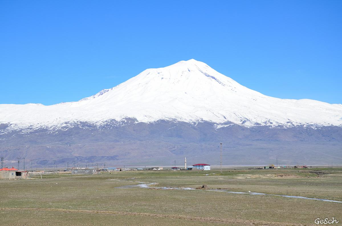 Ararat dogubayazit ishak pacha schnoebelen