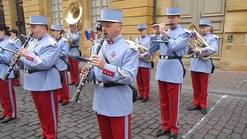 La musique militaire mise au pilori : Dissolutions de plusieurs orchestres