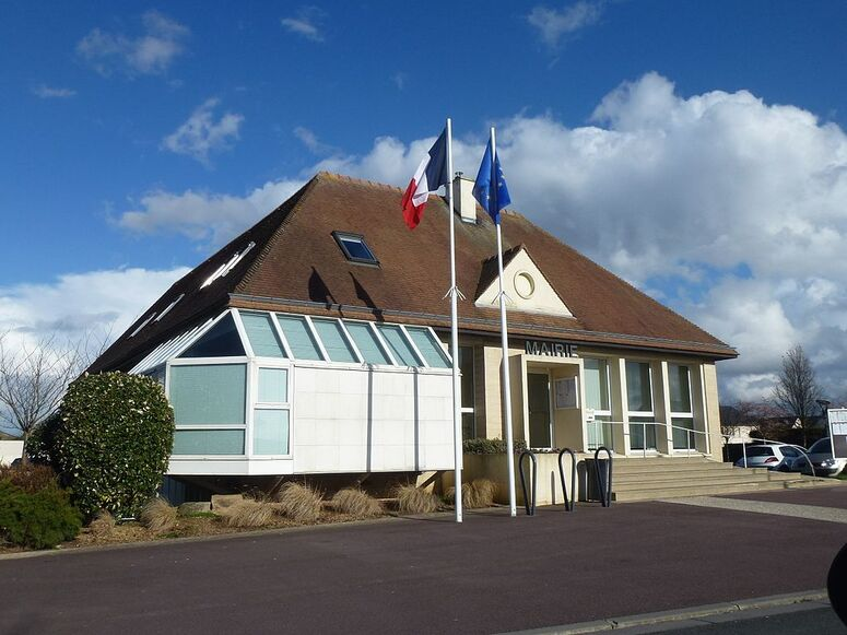 Mairie de Saint-Contest.jpg