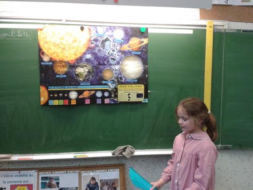 Elisa présente le système solaire