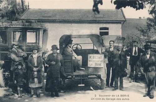Un Coin du Garage des Autos - Mr. Béziat, Guérisseur