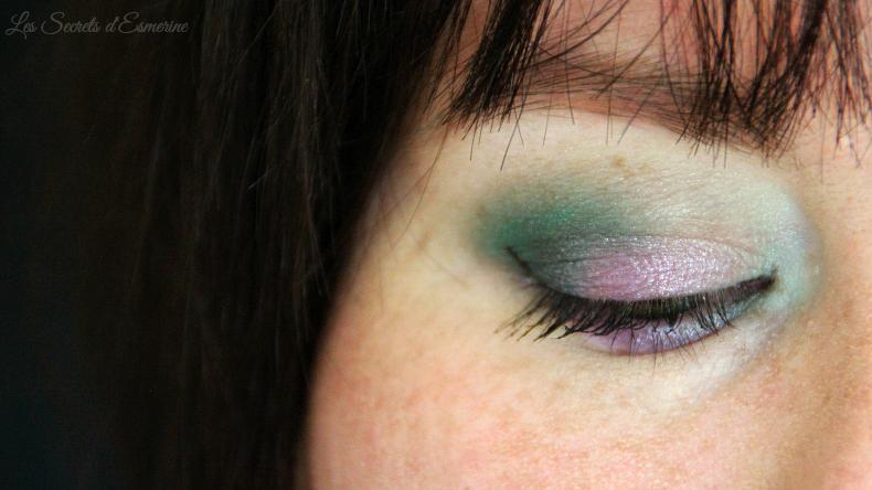 maquillage vert et mauve