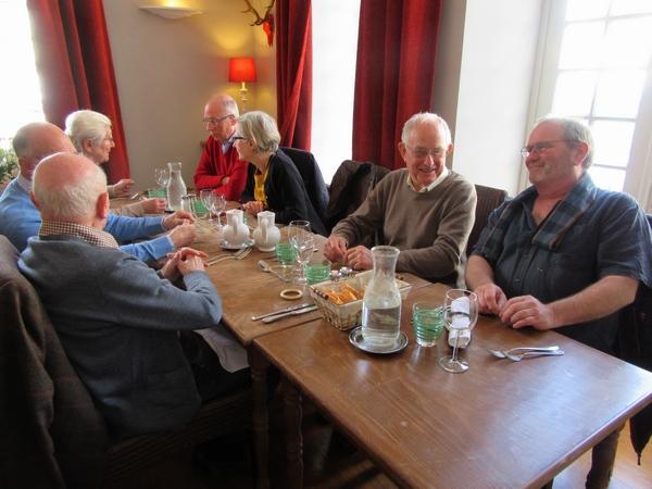 Un agréable repas a réuni les adhérents de Villages Anciens-Villages d'Avenir à Arc en Barrois
