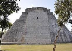 Image result for pyramide du devin de Uxmal