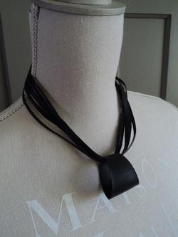 Essai de ceinture et de collier