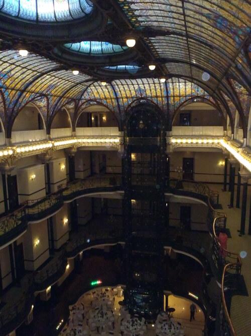 Intérieur du grand hôtel Plaza Mayor