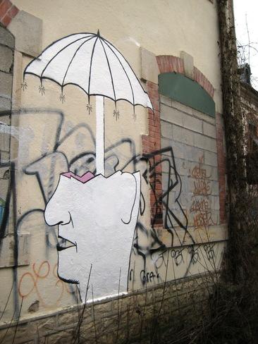 12 - Il pleut sur les murs