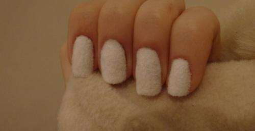 Il neige sur mes ongles !