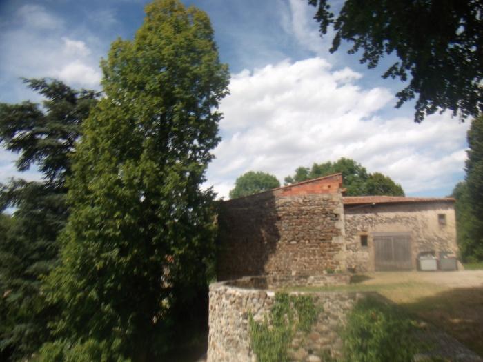 Le château de la Chaux-Montgros - 2/ les environs