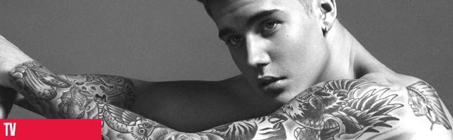 Justin Bieber se fait tatouer un horrible motif en direct à la télévision!