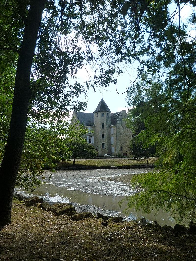 Chateau de Francs@250x140.JPG
