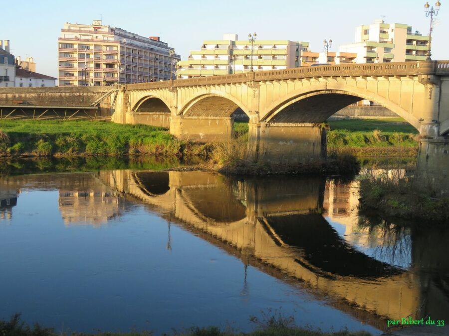 cliques sur sur la photo du pont   ...  Dax dans les Landes