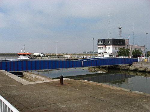 pont tournant - acces ecluse SUD