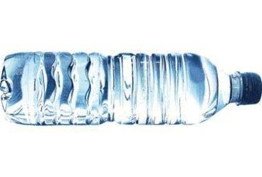 """Résultat de recherche d'images pour """"bouteille d eau en pet danger de l'eau"""""""