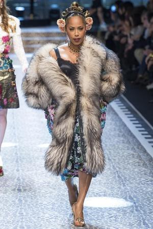 Défilé Dolce & Gabbana prêt-à-porter femme automne-hiver 2017-2018 21