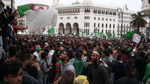 - ALGÉRIE : La mobilisation populaire face aux enjeux de ses succès : synthèse au regard du contexte international et des développements internes.